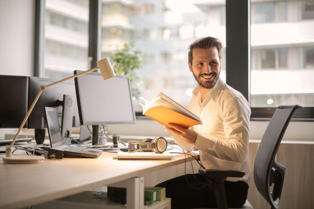Cours d'anglais en ligne à partir du bureau ou de la maison.